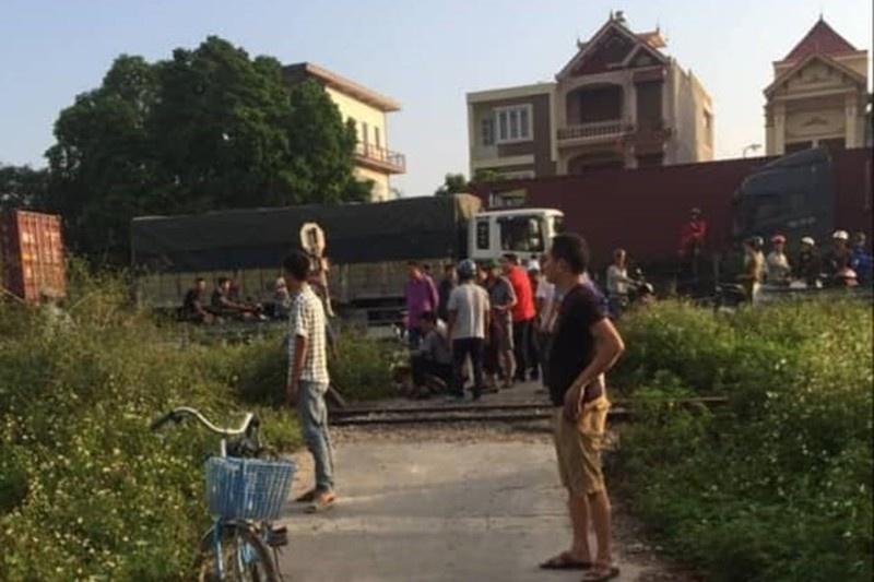 Hải Phòng: Vượt qua đường sắt, một người đàn ông bị tàu hỏa đâm tử vong