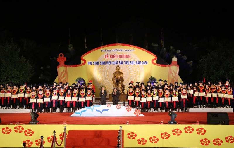 Hải Phòng: Biểu dương 130 học sinh, sinh viên xuất sắc