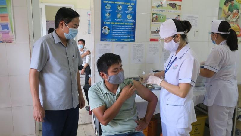 Hải Phòng: Sẽ hoàn thành tiêm 320.000 liều vắc xin AstraZeneca trước ngày 30/10