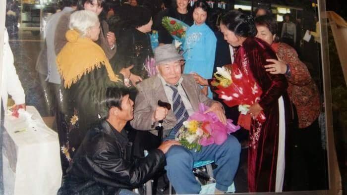 Mối tình Việt lay động Nhật hoàng: Hội ngộ trong nước mắt