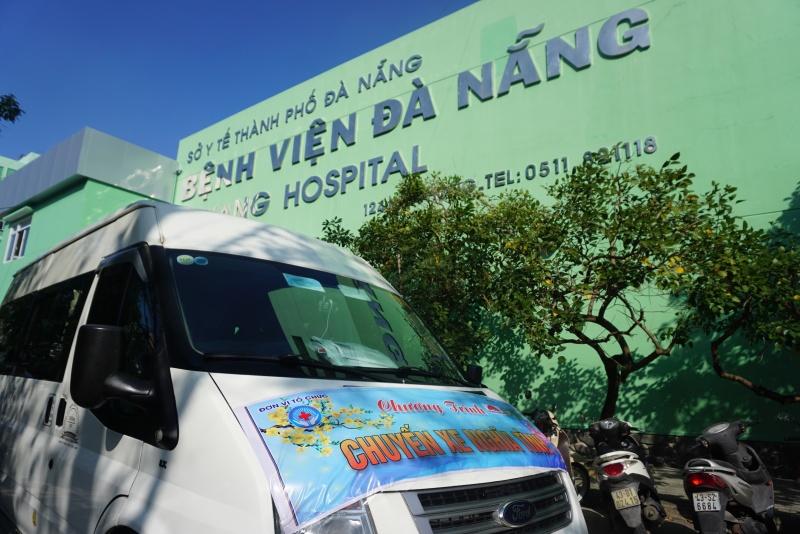 Bệnh nhân xúc động, cảm kích những chuyến xe nghĩa tình của Bệnh viện Đà Nẵng ngày giáp Tết