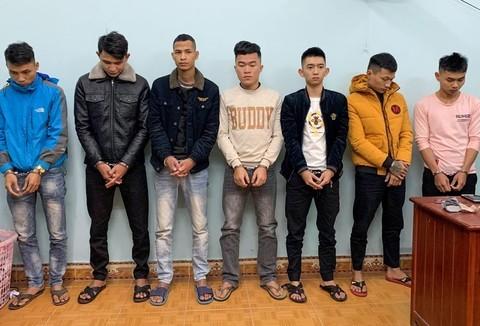 Quảng Nam: Mâu thuẫn lúc đánh bạc, con bạc bắt giữ người cướp tài sản