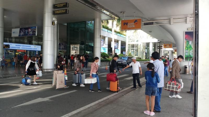 """Đà Nẵng thông tin về cô gái Quảng Nam """"không được giám sát tại sân bay"""""""