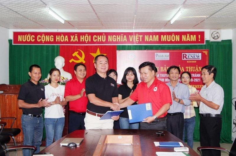 Quảng Ngãi: Dự án RENEW hỗ trợ Hội Chữ thập đỏ khắc phục hậu quả chiến tranh