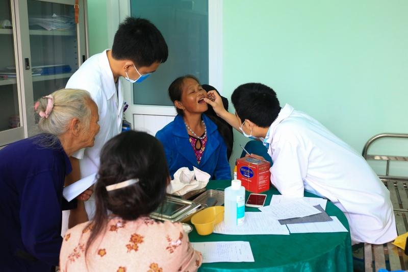 Huế: Khám, phát thuốc miễn phí cho hơn 200 người nghèo