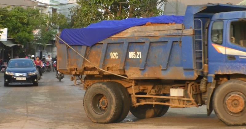 Quảng Nam: Cảnh sát giao thông, Thanh tra giao thông ơi, các anh ở đâu mà để dân khổ thế này?