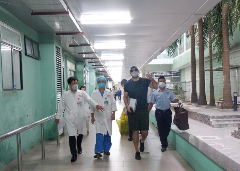Đà Nẵng: Bệnh nhân 68 quốc tịch Mỹ được xuất viện sau thời gian điều trị nhiễm Covid-19