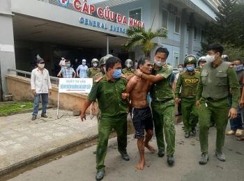 Quảng Ngãi: Khống chế kẻ mang xăng đốt Bệnh viện đa khoa tỉnh