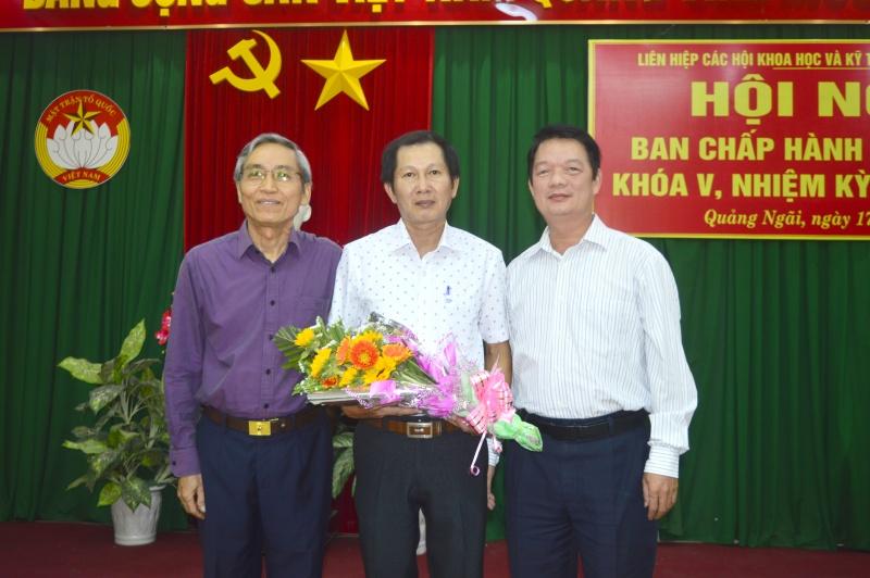 """Quảng Ngãi: """"Phó Bí thư huyện bị nhắn tin khủng bố"""" được bầu giữ chức Phó Chủ tịch Liên hiệp Hội tỉnh"""