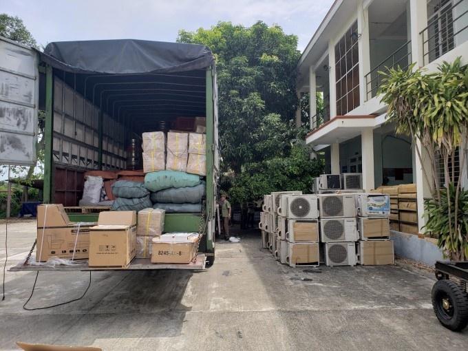 Quảng Nam: Tạm giữ lô hàng trên xe tải nghi nhập lậu