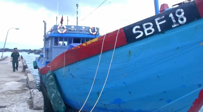 Quảng Ngãi: Phạt gần 1 tỷ đồng tàu cá vi phạm vùng biển nước ngoài