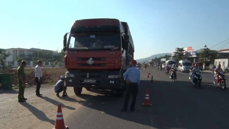 Quảng Ngãi: Tai nạn tại khu vực mở rộng Quốc lộ 1A, 1 người tử vong
