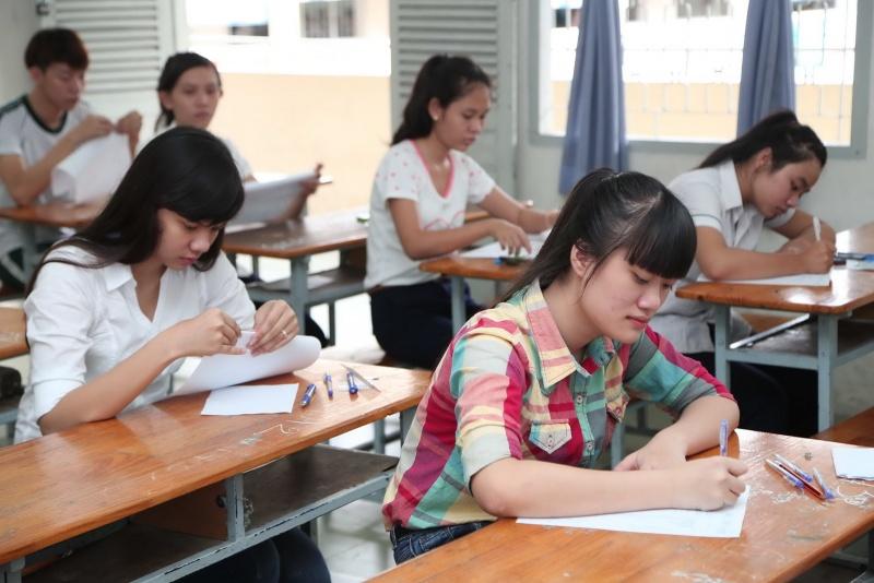 Quảng Ngãi : Học sinh trường làng chiếm trọn thủ khoa kỳ thi THPT