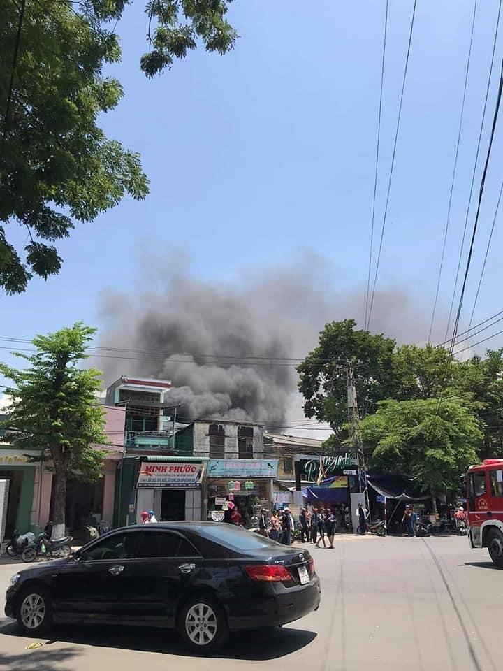 Quảng Ngãi: Cháy nhà lúc giữa trưa