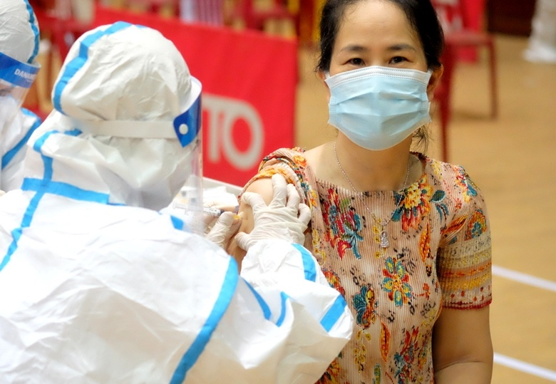 Đà Nẵng: Kêu gọi các y bác sĩ nghỉ hưu tham gia chiến dịch tiêm vaccine Covid-19