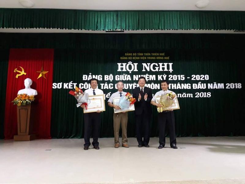 Huế: Thủ tướng tặng bằng khen cho Giám đốc bệnh viện Trung ương Huế
