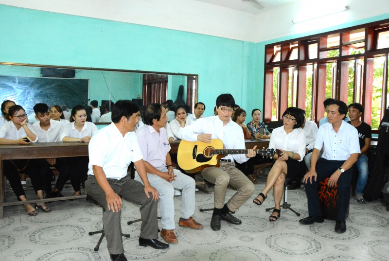 Quảng Ngãi: GS. Son Sung Don trao đổi chuyên môn với Trường ĐH Phạm Văn Đồng