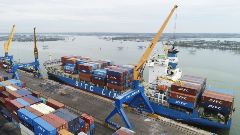 """Cảng Chu Lai Quảng Nam đón tàu có trọng tải """"khủng"""""""