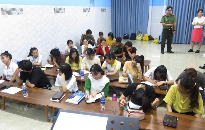 Đà Nẵng: Bắt quả tang truyền đạo trái phép ở trung tâm dạy ngoại ngữ
