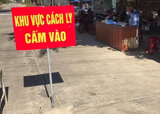 Quảng Ngãi: 2 chợ bị cấm họp vì có liên quan ca bệnh 786 và 787