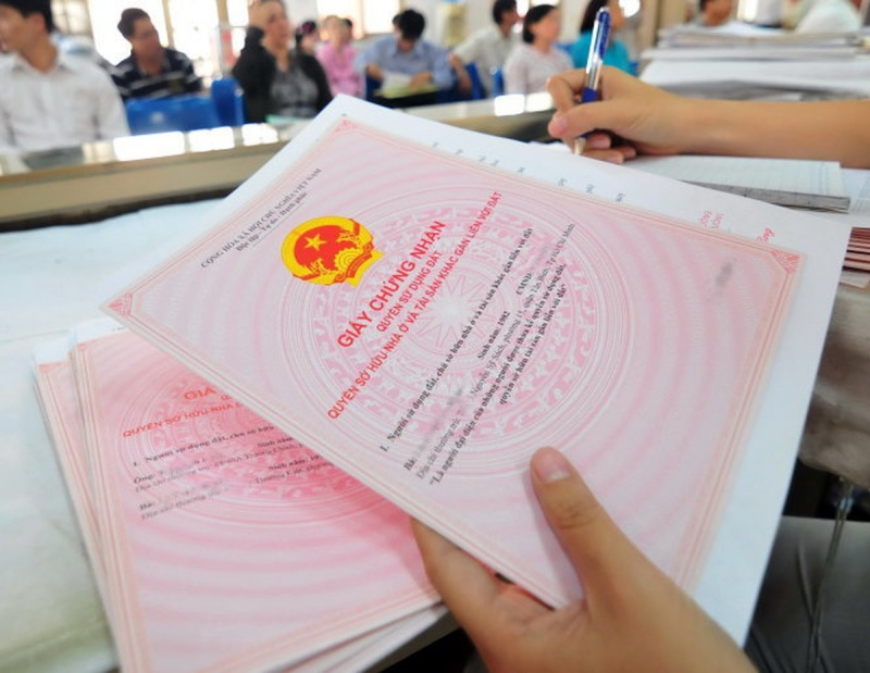 """Quảng Ngãi: Chính quyền cấp nhầm hàng trăm """"sổ đỏ"""""""