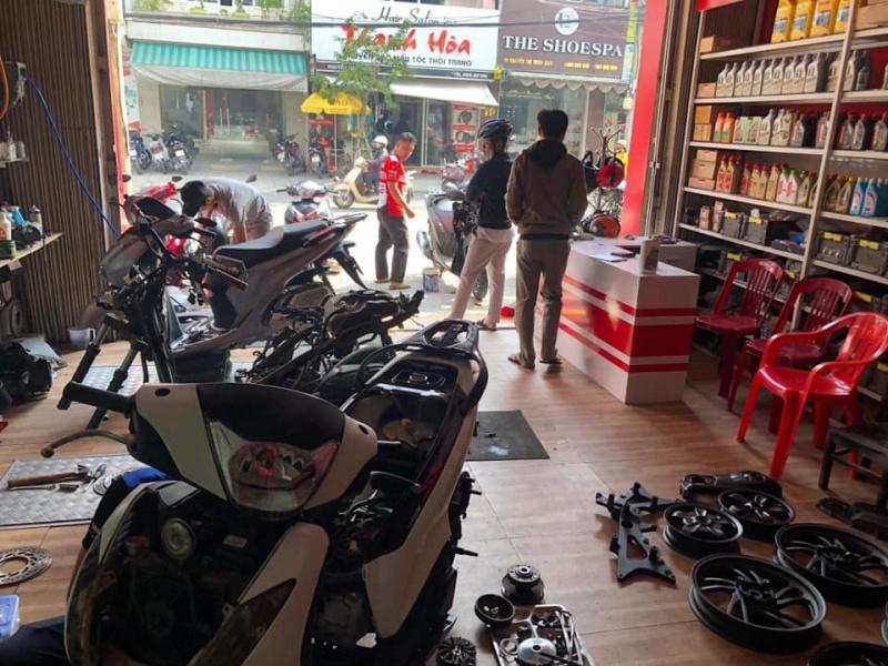 Đà Nẵng cho phép tiệm sửa xe, điện nước, cửa hàng sách giáo khoa hoạt động trở lại