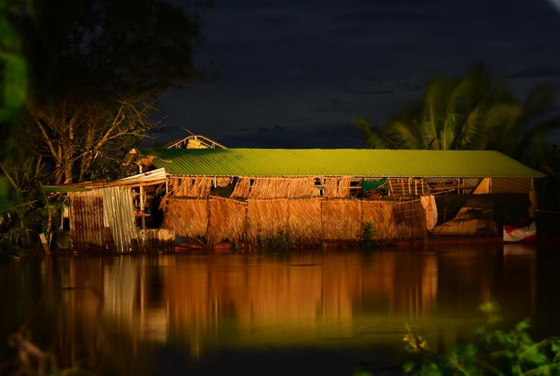 Quảng Ngãi: Ngập lụt trên diện rộng sau bão