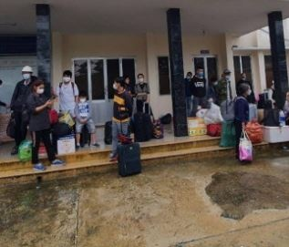 Sạt lở, đường sắt Bắc Nam đoạn qua tỉnh Quảng Ngãi, Quảng Nam bị tê liệt hoàn toàn