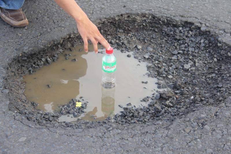 Phú Yên: Đường quốc lộ 1A nát tương mà vẫn đè dân thu phí