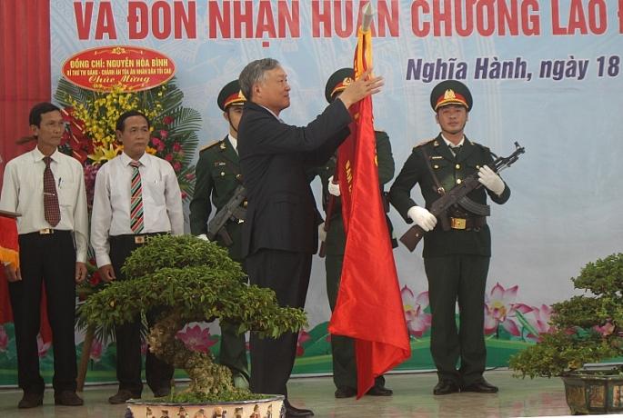 quang ngai huyen nghia hanh don nhan huan chuong lao dong hang ba
