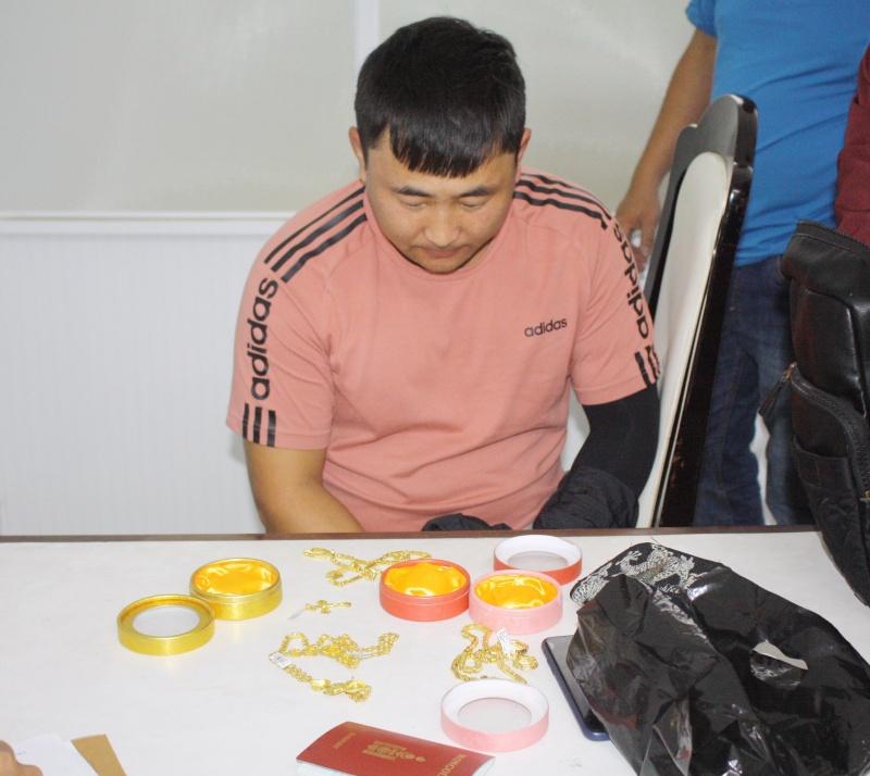Công an Đà Nẵng bắt 2 đối tượng người Mông Cổ chuyên rạch túi du khách nước ngoài