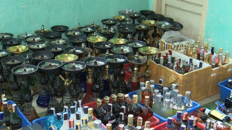 Đà Nẵng: Phát hiện rượu lậu, thuốc lá lậu số lượng lớn trong bar OQ Lounge