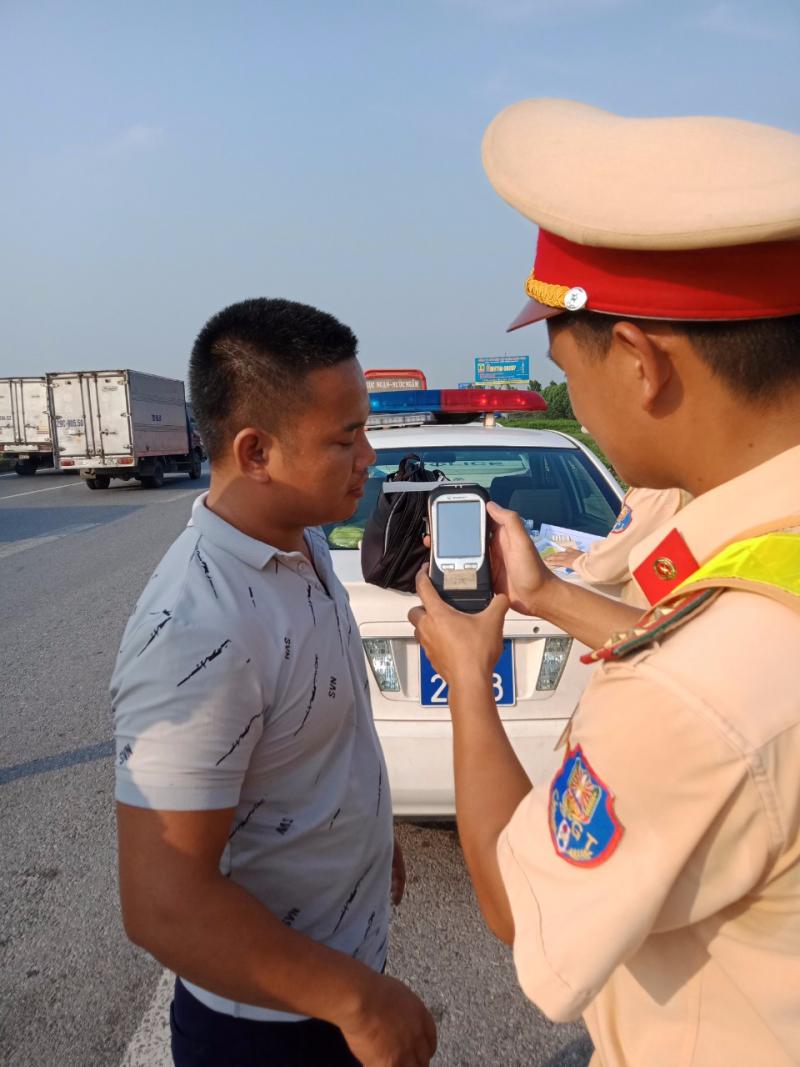 Bắc Ninh. Thực hiện tổng kiểm tra, kiểm soát phương tiện giao thông đường bộ.