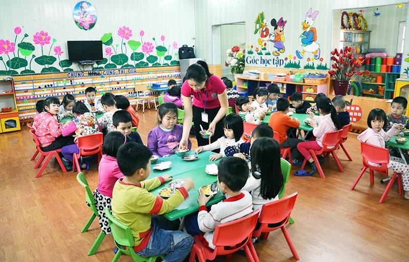 Hỗ trợ tiền ăn trưa cho trẻ mẫu giáo