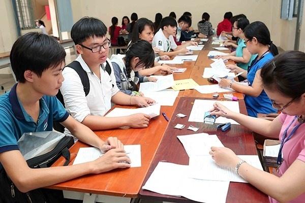 Vận chuyển đề thi THPT quốc gia ra đảo Phú Quốc bằng phương tiện gì?