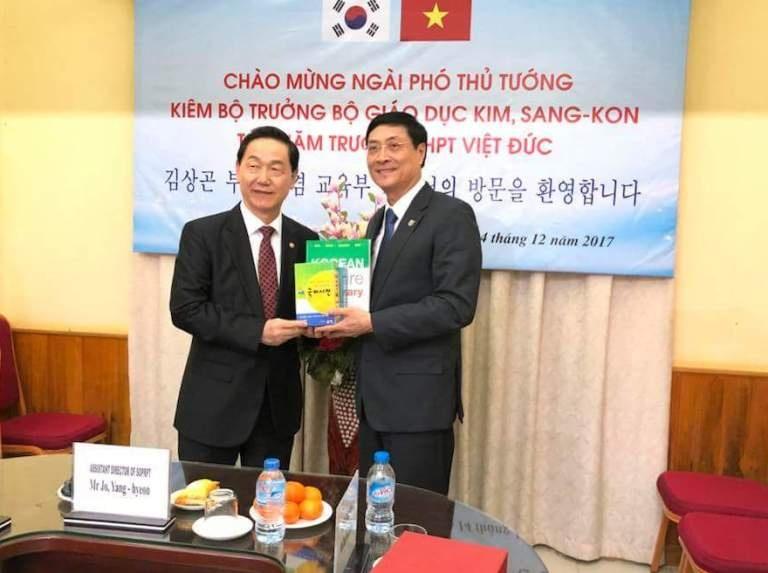 Trường THPT Việt Đức vinh dự đón Phó Thủ tướng Hàn Quốc