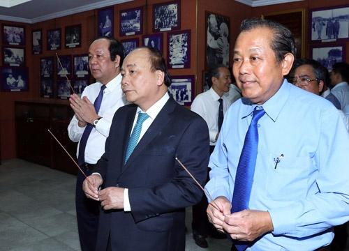 Thủ tướng dâng hương các nguyên lãnh đạo Nhà nước, Chính phủ