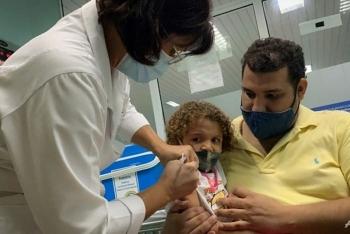 cuba tiem vaccine covid 19 cho tre tu 2 tuoi de mo cua truong hoc