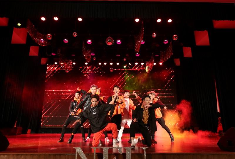co gi tai neu glory night 2020 show dien cuoi cung cua truc nhan tai mien bac
