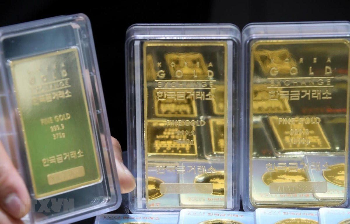 Giá vàng tăng 0,7% trong tuần qua khi dịch viêm phổi lan rộng