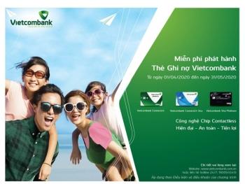 vietcombank trien khai chuong trinh mien phi phat hanh the ghi no nam 2020