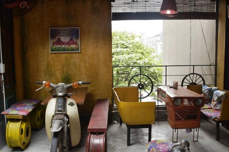 """Quán coffee tái chế với thông điệp """" Sống xanh"""" có 1-0-2 tại Hà Nội"""