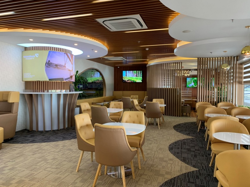 vietcombank chinh thuc khai truong phong cho vietcombank priority lounge tai san bay quoc te noi bai
