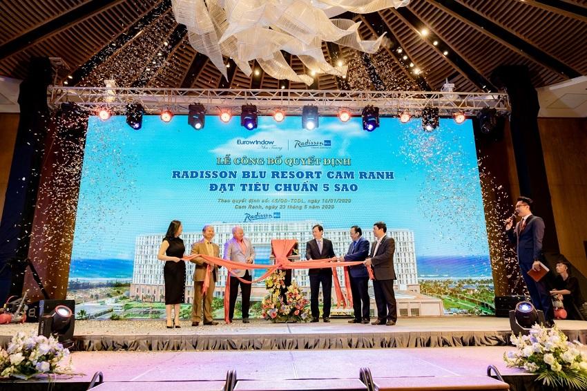 Tổng cục Du lịch công nhận Movenpick Resort Cam Ranh và Radisson Blu Resort Cam Ranh đạt tiêu chuẩn 5 sao