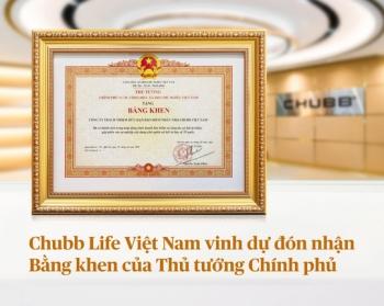 chubb life viet nam vinh du don nhan bang khen cua thu tuong chinh phu