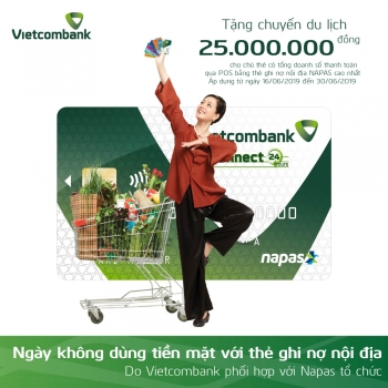 huong ung ngay khong tien mat 16062019 cung the ghi no noi dia vietcombank