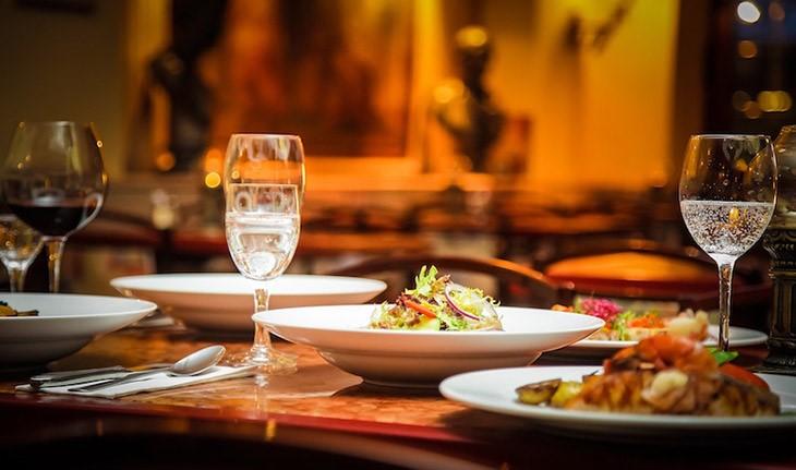 """""""Lạc lối"""" trong mê cung ẩm thực của 10 nhà hàng, quán bar sang chảnh tại FLC Hạ Long"""