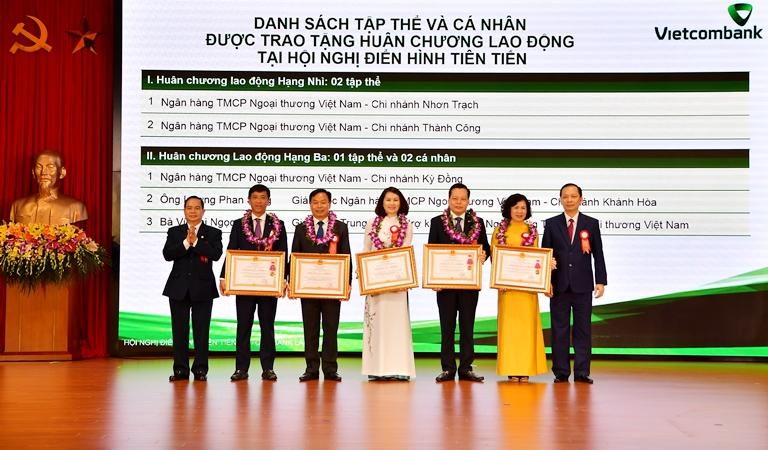 Hội nghị Điển hình tiên tiến Ngân hàng TMCP Ngoại thương Việt Nam lần thứ V