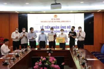 sun group ung ho 320 ty dong cho quy vac xin phong chong dich covid 19