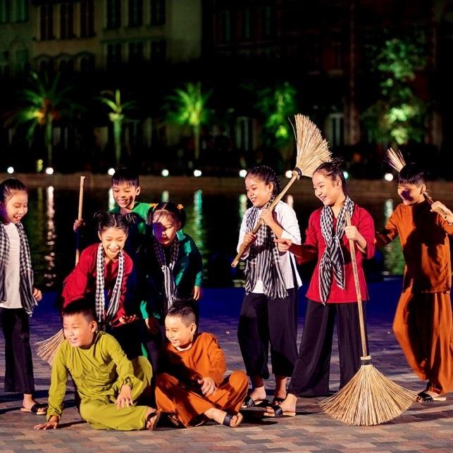 8 khoanh khac say dam long nguoi tai thuong cang than tien
